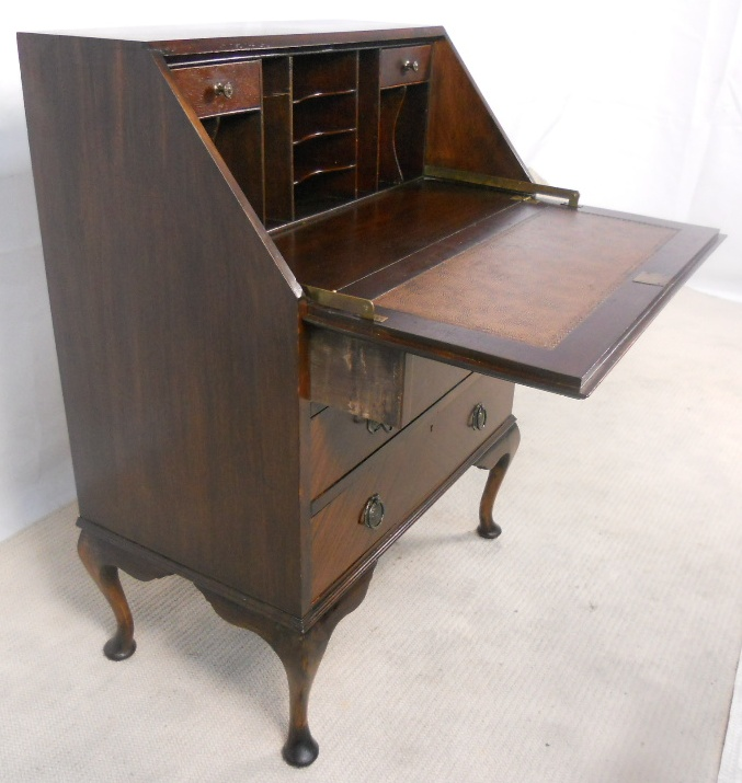 antique queen anne style mahogany writing bureau sold. Black Bedroom Furniture Sets. Home Design Ideas