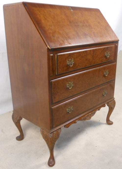 antique queen anne style walnut writing bureau sold. Black Bedroom Furniture Sets. Home Design Ideas