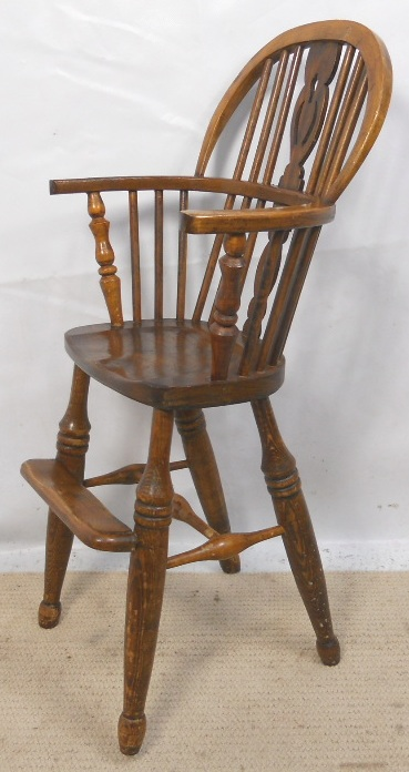 Child s Windsor Beech amp Elm Comb back High Chair : child s windsor beech elm comb back high chair 3325 p from www.harrisonantiquefurniture.co.uk size 369 x 696 jpeg 139kB