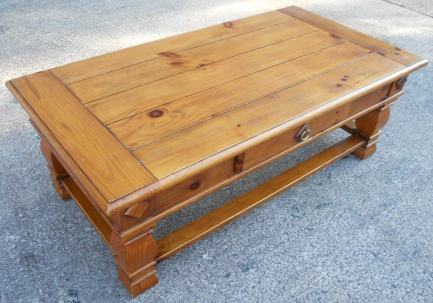 Large Antique Style Pine Coffee Table With Single Storage Drawer