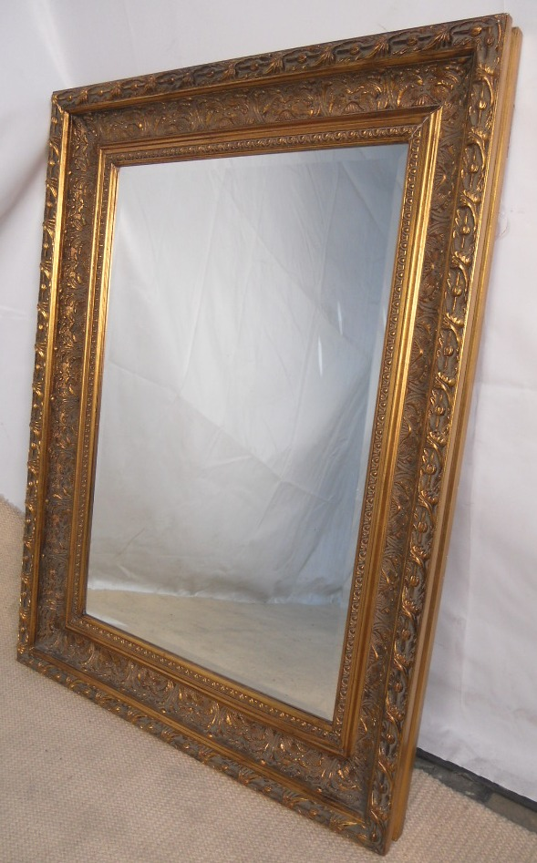 Large gilt framed hanging wall mirror for Large framed mirrors for walls