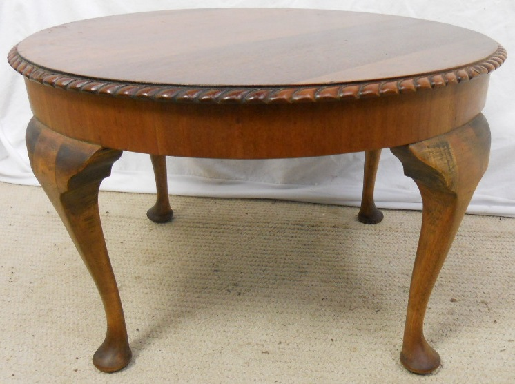 Mahogany Round Queen Anne Style Coffee Table