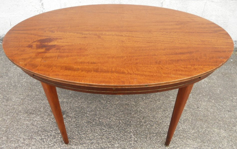 Oval Mahogany Extending Dining Table To Seat Six