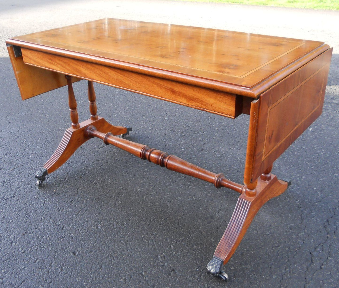 Regency style yew sofa dropleaf coffee table for Yew sofa table
