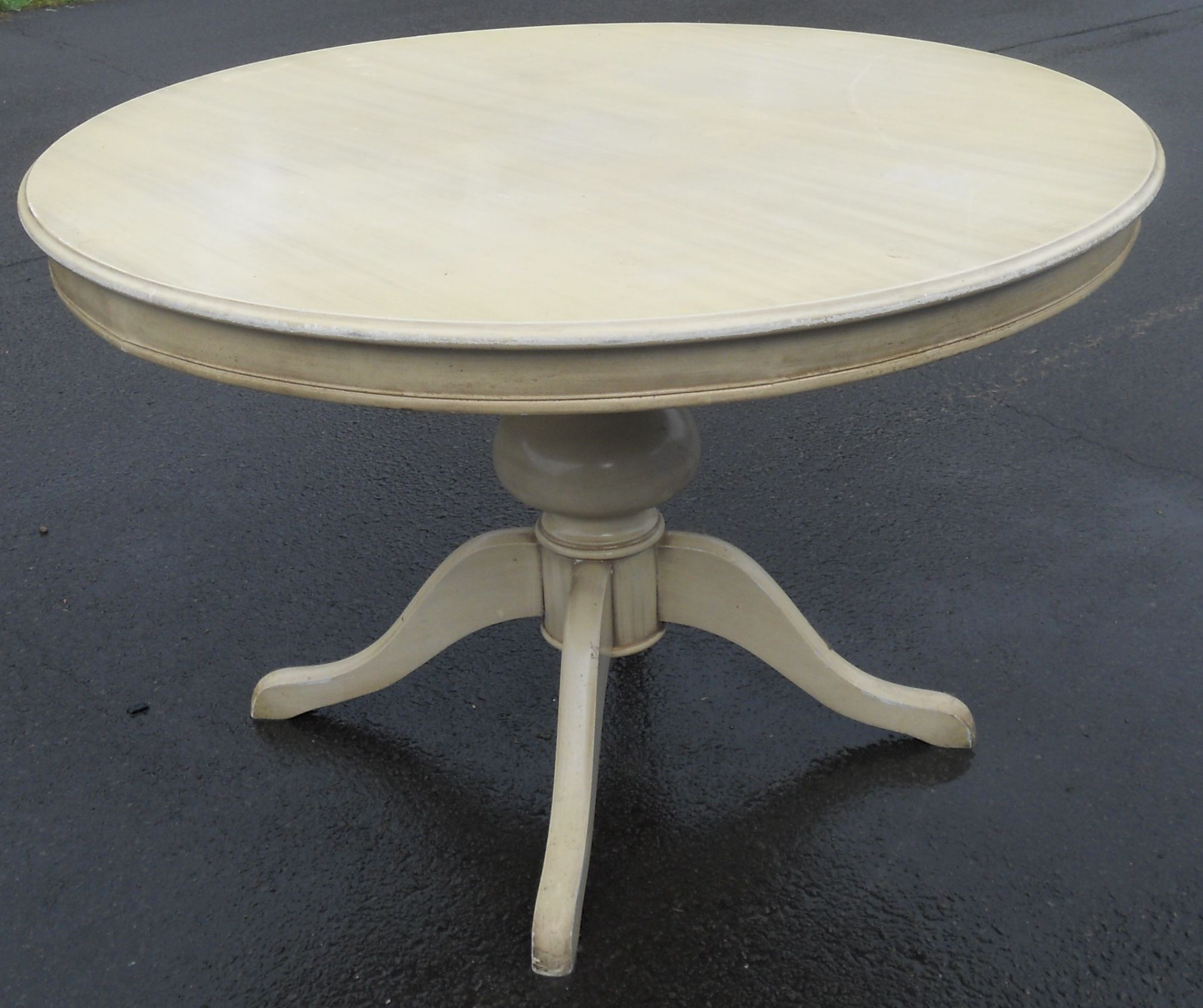 Round pedestal painted dining table for Painted dining table