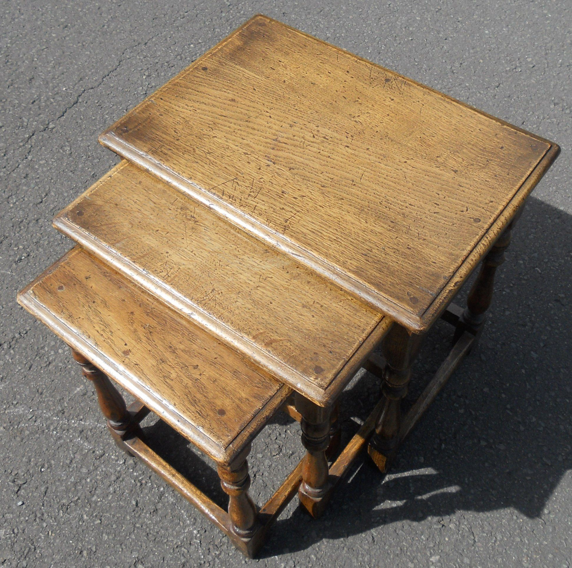 Antique White And Oak Coffee Tables: Small Antique Style Nest Of Oak Coffee Tables