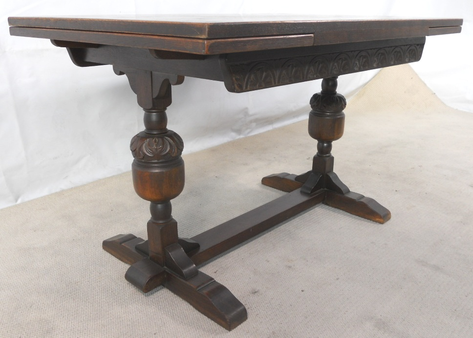 SOLD Antique Jacobean Style Oak Drawleaf Refectory  : sold antique jacobean style oak drawleaf refectory dining table to seat eight 5B25D 1624 p from www.harrisonantiquefurniture.co.uk size 968 x 693 jpeg 217kB