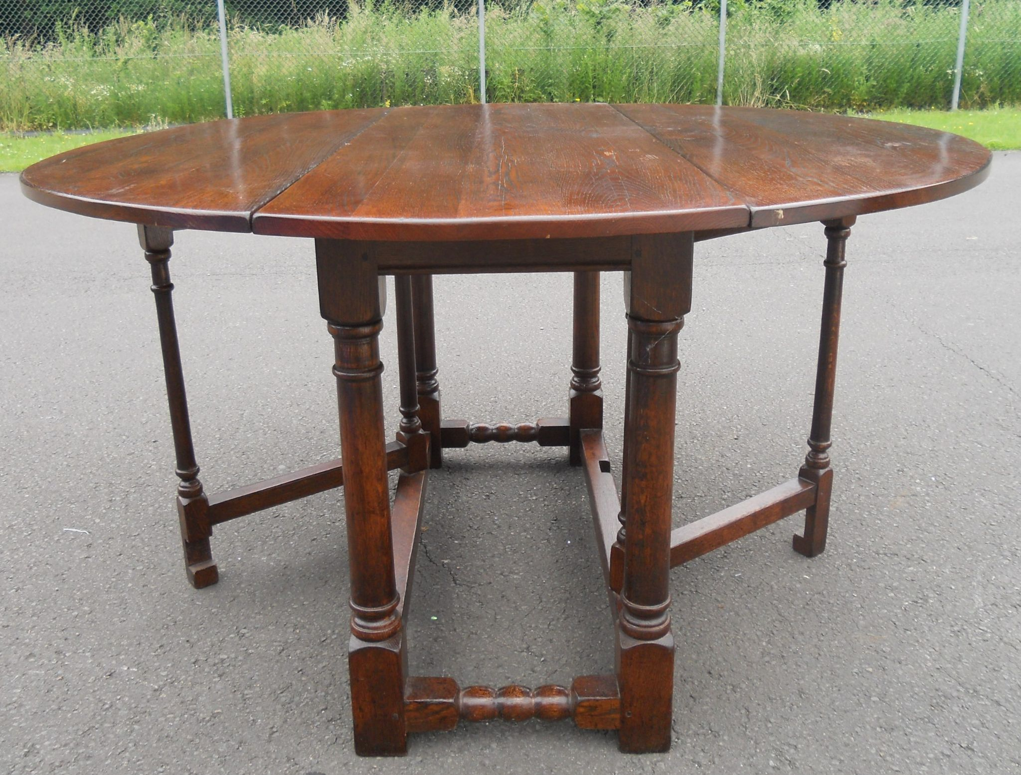 Sold large oval oak gateleg dining table to seat six people for Gateleg dining table