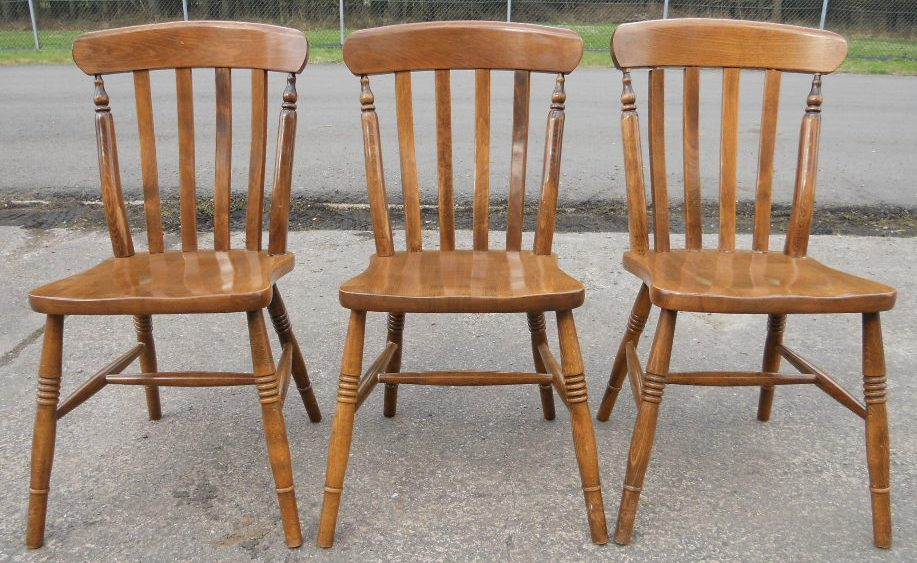 sold set of three beech windsor lathback kitchen chairs. Black Bedroom Furniture Sets. Home Design Ideas