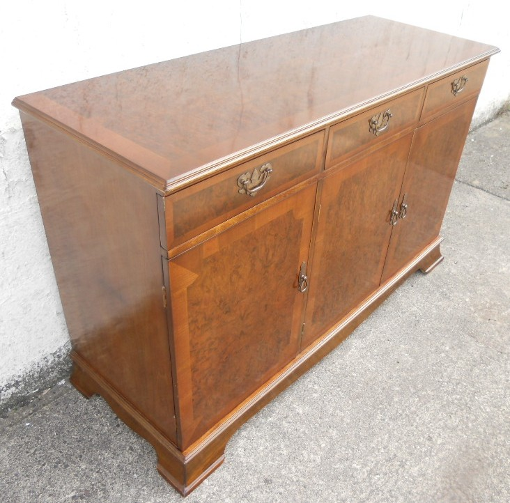 Sold walnut sideboard in the antique georgian style for Sideboard vintage look