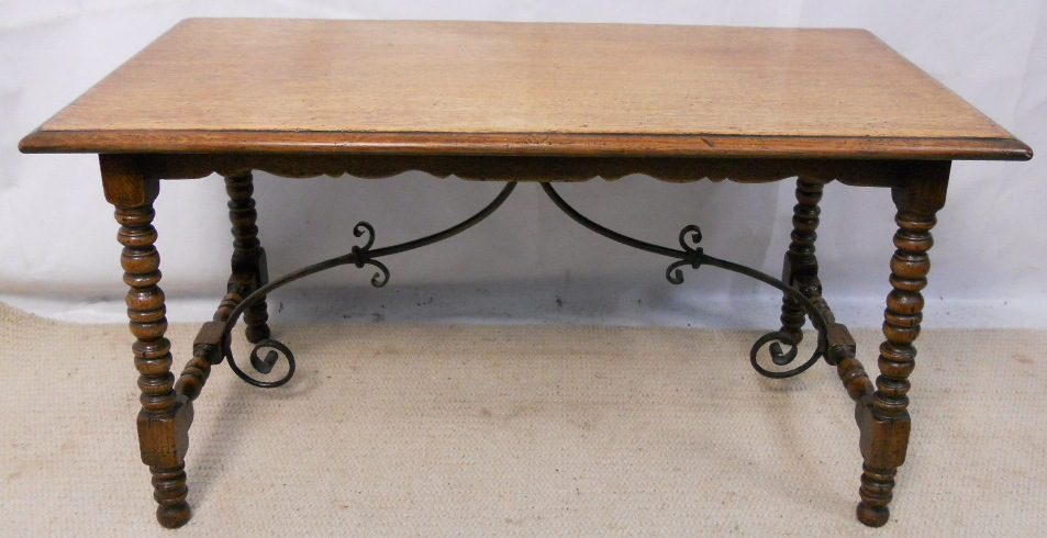 Spanish style oak coffee table for Table in spanish