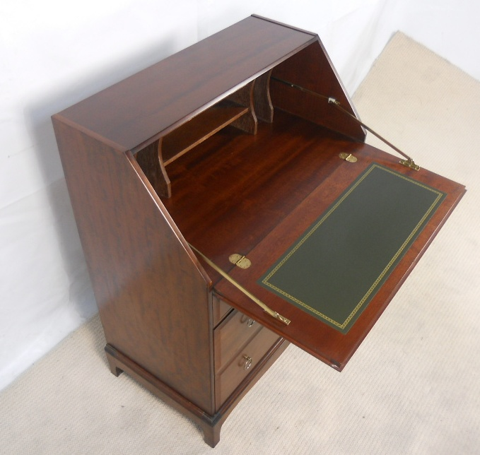 Stag Minstrel Writing Bureau Desk SOLD : stag minstrel writing bureau desk sold 1466 p from www.harrisonantiquefurniture.co.uk size 679 x 644 jpeg 170kB