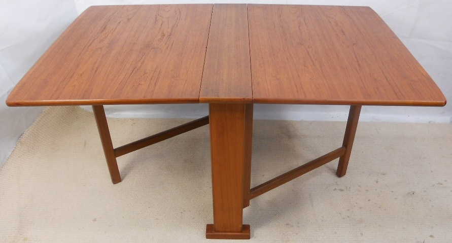 Dining Table This Lovely Heavy Quality Spacesaver Dining Table Taking