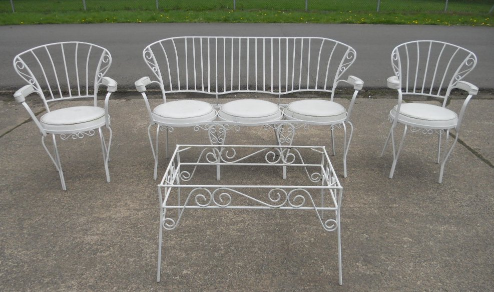 Three Piece Painted Metal Conservatory Patio Lounge Suite