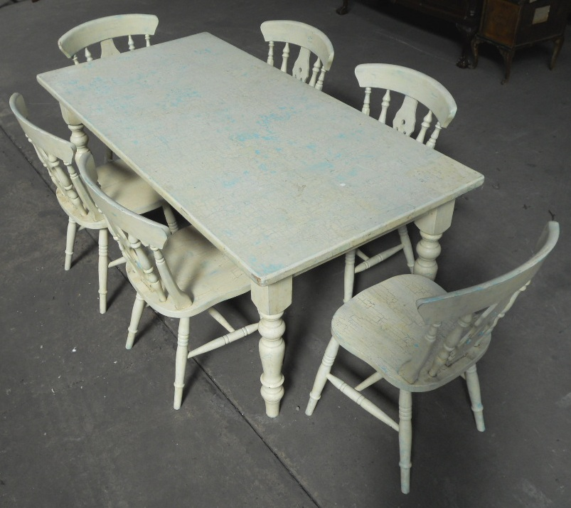 Victorian style painted kitchen table matching six chairs for Kitchen table with 6 chairs