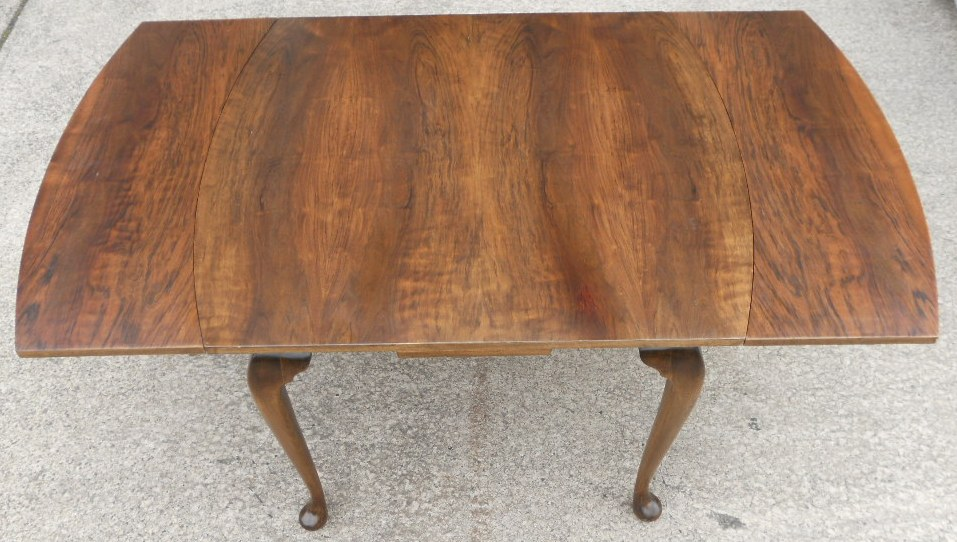 Walnut Extending Dining Table To Seat Six People