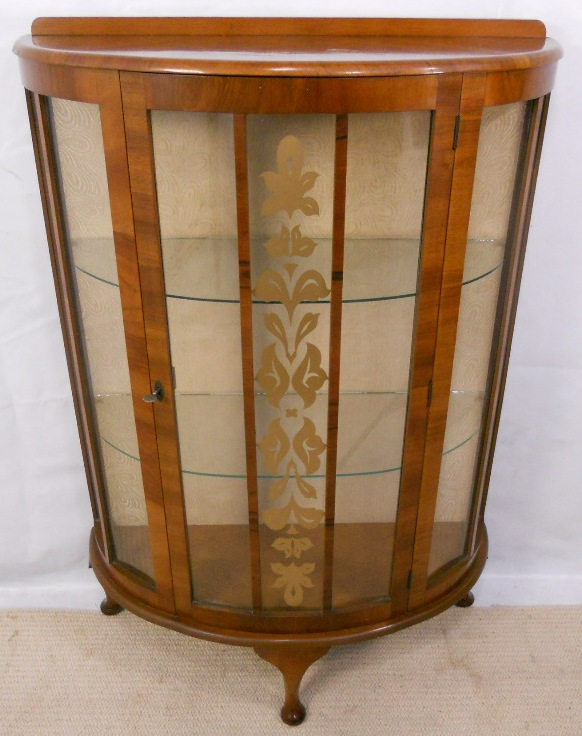 Charmant 1950u0027s Walnut China Display Cabinet   SOLD .