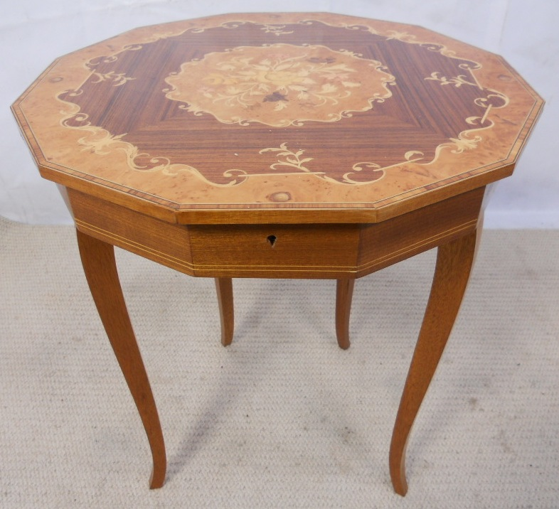 Inlaid Walnut Music Box Table With Lift Up Lid And Storage