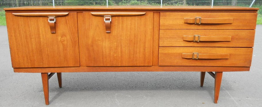 Retro long Teak Sideboard by Beautilly