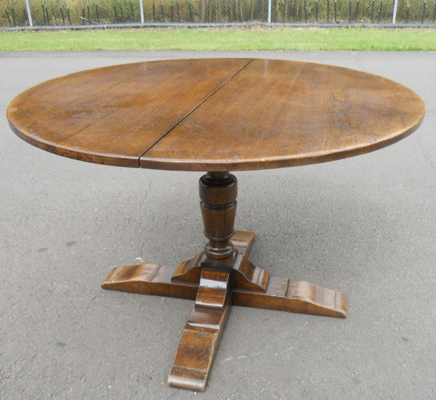Sold Round Oak Pedestal Extending Dining Table To Seat Eight